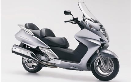 Honda FJS400 Silverwing