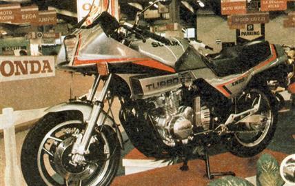 Suzuki XN 85