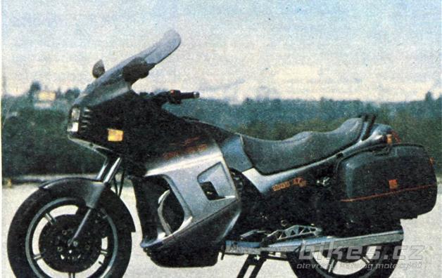Moto Guzzi SP III 1000