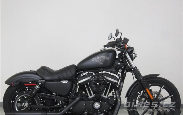 Harley-Davidson Sportster Iron 883 Dark Custom