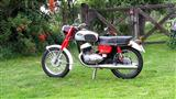 Thumbnail image for http://media.bikes.cz/Photo/img_60160O34560O886008O33O78213898OBO04507O0854O3.jpg?text=Jawa 350 California